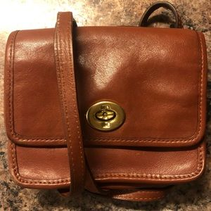 Coach • Brown Leather Purse
